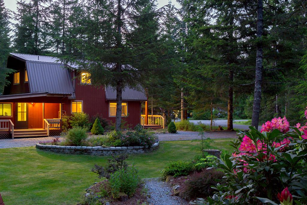 Mt rainier national park lodging romantic meadow cabin for Cabins near mt ranier